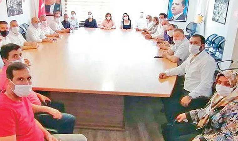 Müdürlerin AKP ziyaretine tepki